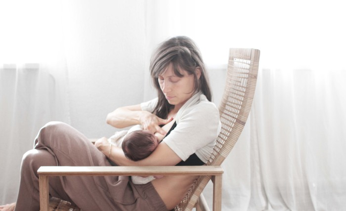 holistic breastfeeding womenshealth healing abrasions cracked nipples